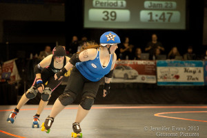 Sockit Wenches' Sister Slaughter races in front of Scald Eagle of the Guns and Rollers last December. Photo by Jenny Evans